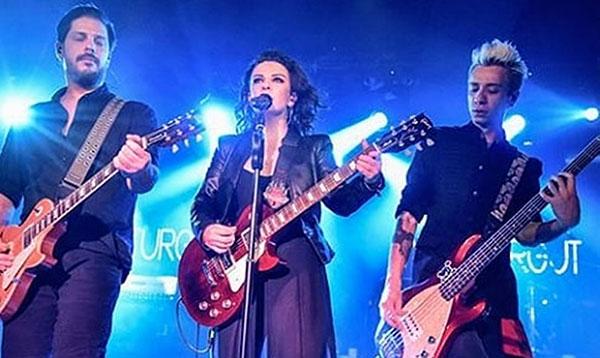 Fatma Turgut Konserleriyle Adından Söz Ettiriyor